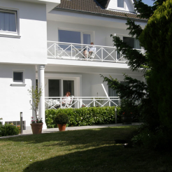 Landhaus vom Garten aua betrachtet